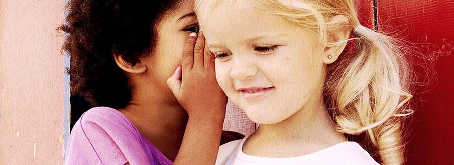 Schwerhörigkeit erkennen bei Kindern